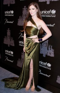 nell-diamond-ninth-annual-unicef-snowflake-ball-04