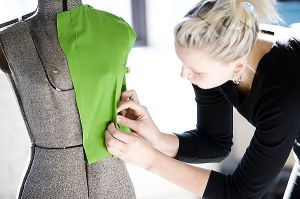 Fashion-Designer-Job-Description
